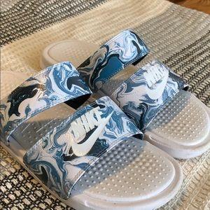 Nike slides / slippers